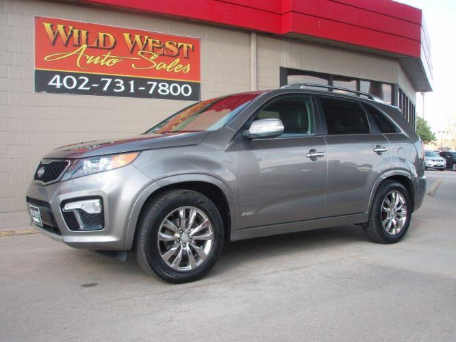 2013 SILVER KIA SORENTO SX (5XYKWDA25DG) with an 3.5L engine, Automatic transmission, located at 6610 L St., Omaha, NE, 68117, (402) 731-7800, 41.212872, -96.014702 - Photo #0