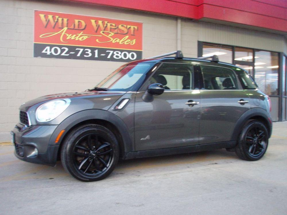 2011 GRAY MINI COOPER S COUNTRYMAN (WMWZC5C52BW) with an 1.6L engine, Automatic transmission, located at 6610 L St., Omaha, NE, 68117, (402) 731-7800, 41.212872, -96.014702 - Photo #0